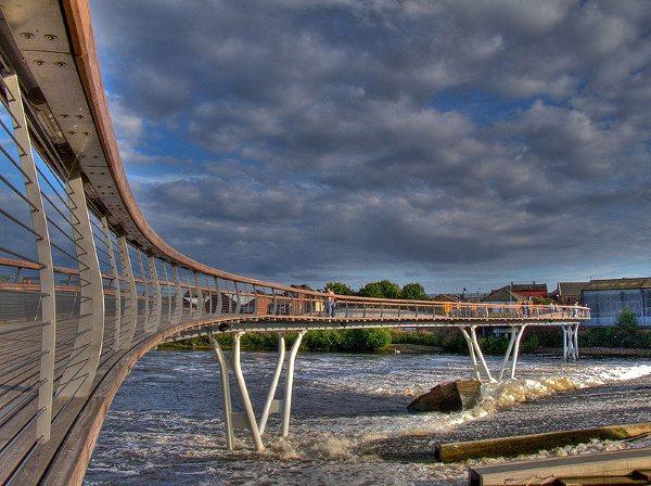 800px-Castleford-bridge